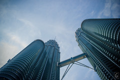 Petronas Twin Towers (amarkgio) Tags: street city fountain square gallery dancing market petronas towers central twin caves malaysia kuala petaling klcc batu masjid merdeka suria lumpur pasar seni jamek