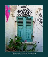 Use par la dbauche, de couleurs (Chti-breton) Tags: tags vert explore abandon bois volet dchance fente persienne