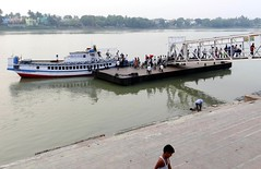 RIVER CROSSING FERRY (3Point141) Tags: india river jetty rivercrossing ghat westbengal hooghly ferryghat ferryservice hooghlyriver chandannagar chandernagore north24parganas 3point141 jagatdal