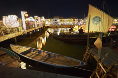 Vietnamese River Boat (tj.blackwell) Tags: hoian faifoo vietnam coast asia fishing village oldtown ancient peaceful night market beautiful heritage glowing illuminations evening travel boat bridge river water