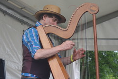 Bahareque (2016) 11 (KM's Live Music shots) Tags: greatbritain harp worldmusic leverharp bahareque colingordon paraguayanharp barkingfolkfestival abbeygreenbarking