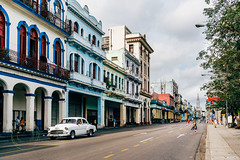 Streets Of Havana (Simone Della Fornace) Tags: street old city travel urban classic car architecture 35mm vintage buildings cityscape sony voigtlander streetphotography caribbean urbex a7rii