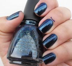 Blue-Ya! (China Glaze) (Raabh Aquino) Tags: unhas esmalte azul glassflecks chinaglaze nails nailpolish naillacquer blue