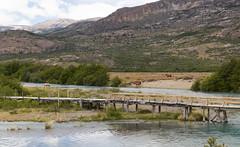 Estancia Cristina, Patagonia, Argentina (maxunterwegs) Tags: bridge horse patagonia argentina argentine rio river caballo cheval ponte pont brcke fluss patagonie cavalo pferd argentinien patagonien estanciacristina provinzsantacruz