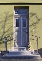 (:Linda:) Tags: rabbit bunny window germany easter town thuringia step themar transomwindow greydoor