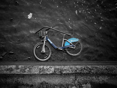 Boris Bike Beached (Wormsmeat) Tags: street london bike thames photography boris glove thebestofhdr