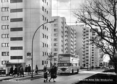 Berlin - Historische Wandliesenbilder im U-Bahnhof Wutzkyallee Linie U7 - Wutzkyallee um 1975 - 20-05-2016 (Detlef Wieczorek) Tags: bus berlin 1975 sw rudow historisch bvg gropiusstadt d2u