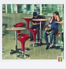 Comunicacin,San Salvador,El Salvador. (Alexseander R. Antonio) Tags: san chica metro centro el salvador telefono comunicaciones salvadorea