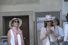 turismo a matera (eliobuscemi) Tags: people donne facce ragazze visi cappelli