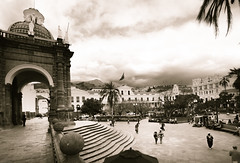 Plaza Grande of Quito (iSteven-ch) Tags: spouthamerica travel ecuador quito canon historic capital eos6d pichincha ec