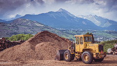 WORK ! WORK ! NO GAIN WITHOUT PAIN !!! (Jeton Bajrami) Tags: work bulldozer trax sony mountain montagne montagnes mountains yellow lightroom alpha alpha77ii alpha77m2 alpha77mkii perfect art 2016 sion switzerland swiss wallis valais 1650mmf28 ssm