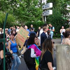 Ne me libère pas, je m'en charge (Jeanne Menjoulet) Tags: marchedesfiertés lgbt paris 2juillet2016 lesbiangaypride gay lesbiennes bi trans gaypride pride libère libérer jemencharge lbgt