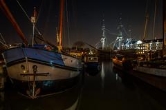 Boats & VOC ship near Scheepvaartmuseum (Amsterdam) (PaulHoo) Tags: city longexposure nightphotography urban holland reflection water amsterdam night evening boat nikon ship le lightroom scheepvaartmuseum voc 2015 d700