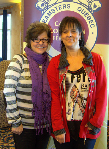 Women's Caucuses - Female Teamsters Quebec Women's Caucus Members Posing / Caucus condition féminine – Femmes du Caucus condition féminine Teamsters Québec