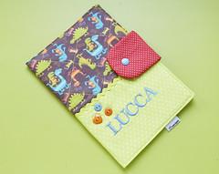 Capa para caderneta de vacinação (Meia Tigela flickr) Tags: baby sewing artesanato capa artesanal sew bebê tecido bordado costura personalizado vacinação caderneta