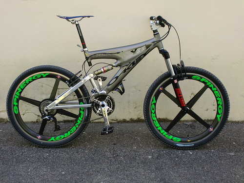 Trek Y33 Grey Whith Green Spinergy Stickers An Carbon Oakley A