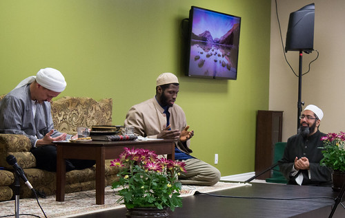 "Shaykh Yahya Rhodus at SeekersHub, Toronto and Seminar Series: Worship, Coffee and The Meaning of Life • <a style=""font-size:0.8em;"" href=""http://www.flickr.com/photos/88425658@N03/26234087614/"" target=""_blank"">View on Flickr</a>"