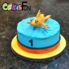 Dr. Seuss Smash Cake (bsheridan1959) Tags: goldfish drseuss smashcake childrenscake