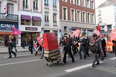 manif_28_04_lille_131 (Rmi-Ange) Tags: lille pcf fo unef sant tudiants manifestation tudiant grve cgt syndicat syndicats sociaux lutteouvrire mouvementjeunescommunistes 28avril partidegauche frontdegauche sudsolidaires loitravail