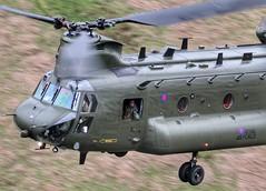 Poser (ashperkins) Tags: wales helicopter 7d chinook raf bwlch lowflying machloop ef100400mmf4556lisusm eos7d ashperkins