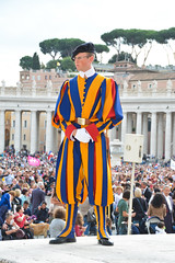 Guardias Suizos (lozadam63) Tags: pope vatican swiss papa vestuario suizos indumentaria guardias vestimenta gards ciudaddelvaticano nikond7100