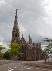 Eindhoven - Augustijnenkerk (grotevriendelijkereus) Tags: eindhoven brabant netherlands nederland holland church kerk toren tower neogotisch neogotiek neogothic architecture architectuur