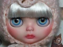 ์My Custom Commissions Blythe Doll.