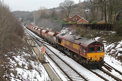 66020 (marcus.45111) Tags: winter snow train gm flickr diesel railway dslr freight dbs 2015 class66 flickruk 1100d thehopevalley moderntraction 66020 totleytunneleast
