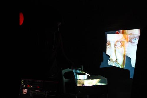 "WORKSHOP: Percepce lidského oka / Video jako zdroj světla na divadle • <a style=""font-size:0.8em;"" href=""http://www.flickr.com/photos/83986917@N04/16900446529/"" target=""_blank"">View on Flickr</a>"