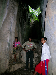 Kep - Kids Guiding Us Through Sorsia Cave (Drriss & Marrionn) Tags: travel cambodia erosion caves limestone stalactites stalagmites kampot phnomsorsia phnomsorsiacaves