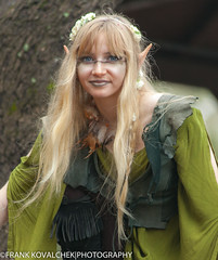 Portraits of the faries at play (Alaskan Dude) Tags: travel costumes people portraits texas festivals medieval outfits faires sherwood renaissancefestivals renaissancefaires sherwoodforestfaire 2015sherwoodforestfaire