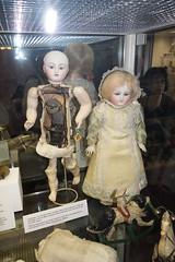 Antique doll cross-section (quinet) Tags: germany munich toy deutschland dolls antique allemagne spielzeug toymuseum jouet ancien puppen antik spielzeugmuseum poupes musedujouet 2013