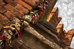 colorful ... dreams (mariola aga) Tags: italy wall stairs colorful stones bricks verona dreams wishes tradition padlocks thegalaxy