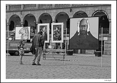 Syrian art (frode skjold) Tags: bw art monochrome oslo norway norge blackwhite cobblestone youngstorget fujifilmx20