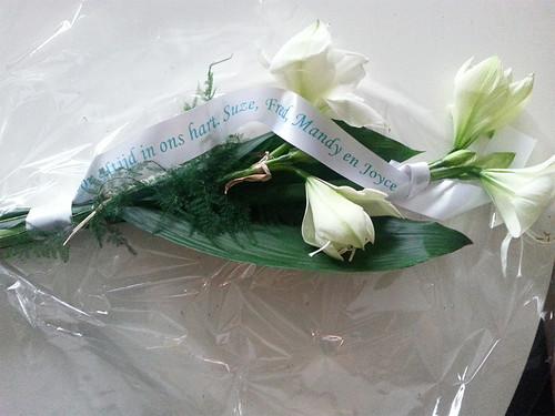 45mm wit rouwlint met groen bedrukt