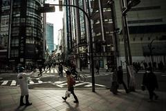 L'enfer, c'est les autres (www.danbouteiller.com) Tags: japan japon japanese japonais people city ville tokyo shinjuku urban photoderue photo de rue street streetscene streetlife streets streetshot samyang samyang14mm canon canon5d eos 5dmk2 5d 5d2 5dm2