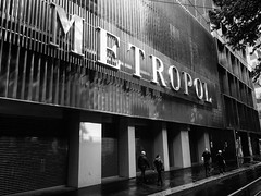 Metropol (DanieleS.) Tags: street people white black milan wow walking photography photo spring cool shoot day shot milano great dolce rainy bianco nero metropol dg gabbana