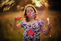 Fujifilm Xpro2 & Lensbaby Twist (Willie Kers Gwynn) Tags: sunset portrait nature netherlands childhood lensbaby fuji bokeh twist fujifilm fujix xpro2 seeinanewway williekers