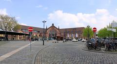 Bahnhof - Osnabrck (01) (Stefan_68) Tags: germany deutschland bahnhof cobblestones railwaystation hauptbahnhof trainstation osnabrck centralstation railroadstation niedersachsen lowersaxony kopfsteinpflaster lagarecentrale