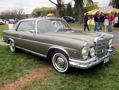 1966 Mercedes-Benz 250 SE (splattergraphics) Tags: mercedes 1966 mercedesbenz carshow hersheypa aaca 250se aacaeasterndivisionfallmeet