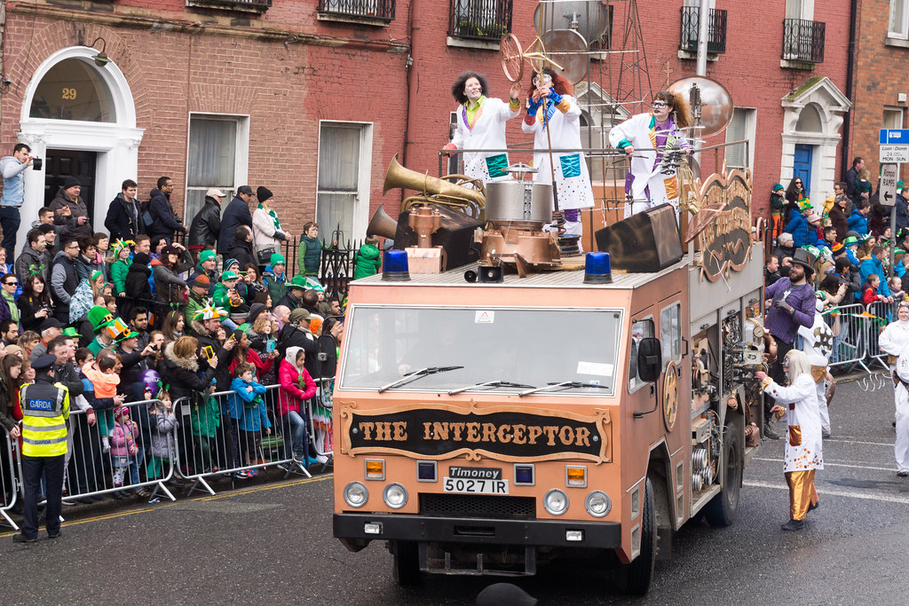 "INISHOWEN CARNIVAL GROUP ""THE MINISTRY OF PEACE AND LOVE"" ST. PATRICK'S PARADE 2015- REF-102321"