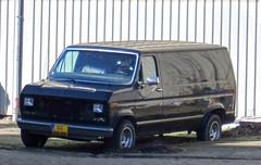 1988 Ford Econoline 150 (rvandermaar) Tags: ford 1988 150 econoline fordeconoline grijskenteken sidecode6 02vsnp