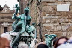 Fontana del Nettuno (andrea.prave) Tags: toscana tuscany toscane toskana     florencia florence     florenz italia italy      italie italien statue      esttua  estatua heykel scultura  sculpture skulptur escultura    piazzadellasignoria palazzovecchio comune nettuno neptune fontana fountan