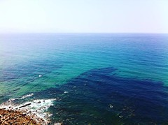 Elexalde (Espagne) (mrjcrr) Tags: ocean road blue sea mer beach water spain eau turquoise horizon roadtrip espana espagne plage ontheroad wate elexalde