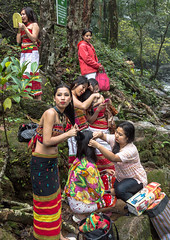 Jungle Photoshoot (rob of rochdale) Tags: india women photoshoot models tribal jungle meghalaya northeastindia robhaich
