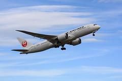 JA844J (valentin hintikka) Tags: jal japanairlines jl414 helnrt boeing787 dreamliner ja844j