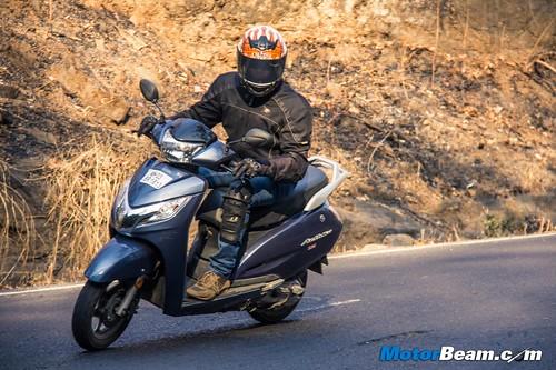 2015-Honda-Activa-125-Long-Term-03