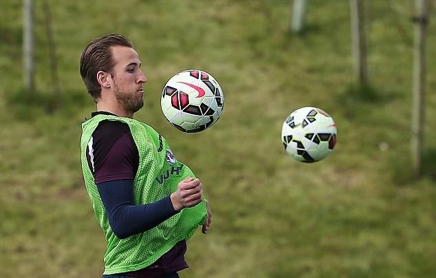 Jelang Laga Inggris vs Lithuania, HARRY KANE Duet Bareng Wayne Rooney