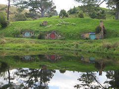 "Hobbiton <a style=""margin-left:10px; font-size:0.8em;"" href=""http://www.flickr.com/photos/83080376@N03/16750091207/"" target=""_blank"">@flickr</a>"