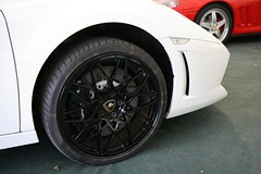 Exotic rims (davocano) Tags: auction brooklands carauction classiccarauction historicsatbrooklands